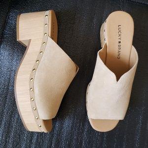 New Lucky brand women's platform Wood, sandals sz6